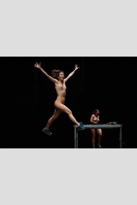 """A dialogue with Doris Uhlich, choreographer of the """"More Than Naked"""" performance. 