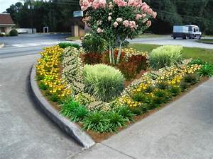 Office landscaping ideas pictures to pin on pinterest for Office landscaping ideas