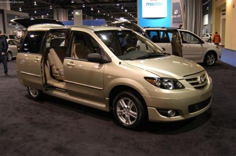 2004 Mazda MPV Image. https://www.conceptcarz.com/images ...