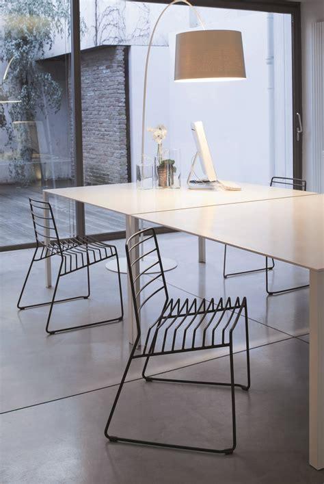 chaise en acier chaise empilable en acier park by b line design paster