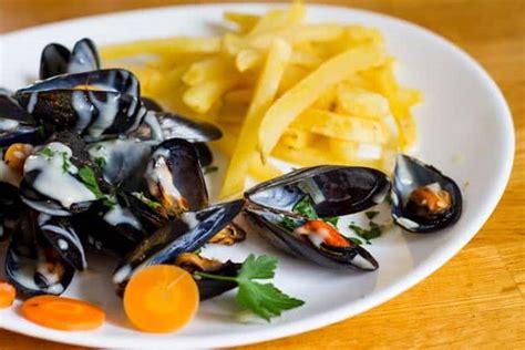 cuisine moules moules marinières la recette plus traditionnelle la