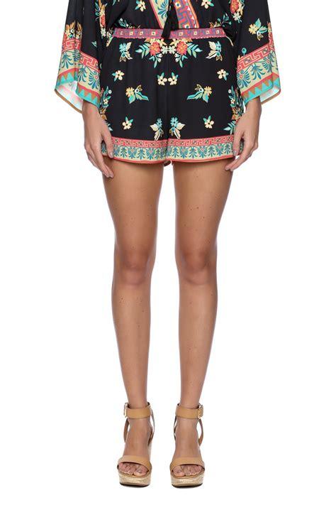black floral shorts bacio black floral shorts from nolita by pinkyotto