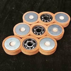 Holz Fidget Spinner : 15 best fidget spinners and other images on pinterest wooden fidget spinner fidget spinners ~ Frokenaadalensverden.com Haus und Dekorationen