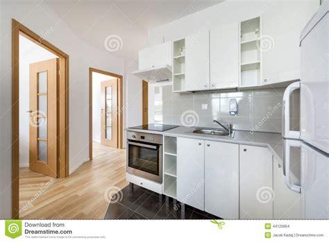 photo de cuisine blanche conception intérieure de blanche cuisine moderne