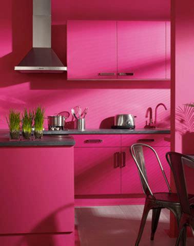 quelle couleur avec la peinture rose dans chambre salon