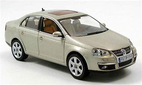 Volkswagen Jetta Beige 2005 Schuco Diecast Model Car 1/43