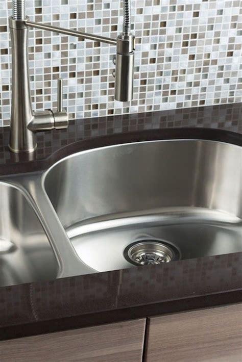 most popular kitchen sinks 2017 top 5 most popular styles of kitchen sinks overstock com