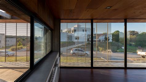 gaston sironi elevates ls house in c 243 rdoba argentina