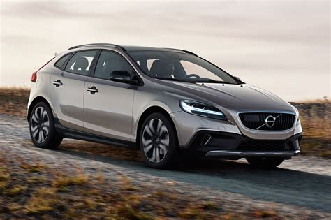 New Volvo 2016 by Volvo V40 Gets Thor S Hammer Facelift For 2016 Car