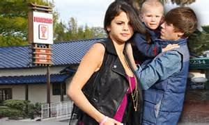 Justin Bieber and Selena Gomez look exhausted as they ...