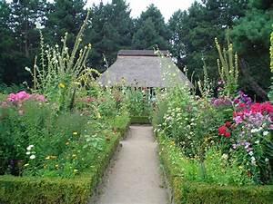 Gartengestaltung Bauerngarten Bilder : bauerngarten wikipedia ~ Markanthonyermac.com Haus und Dekorationen