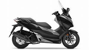 Scooter Forza 125 : caract ristiques forza 125 scooter gamme motos honda ~ Medecine-chirurgie-esthetiques.com Avis de Voitures