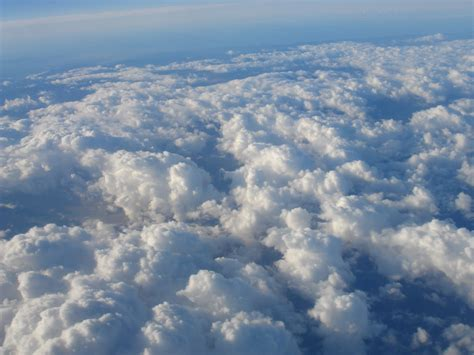 mjsdailyhappenins': flying above the clouds.... :)