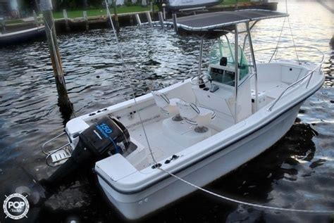 Trophy Boats 1903 Center Console by 2000 Used Bayliner Trophy 1903 Center Console Fishing Boat