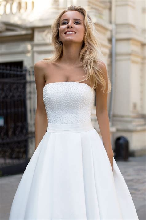 robe de mariée bustier strass robe de mari 233 e avec bustier en plumetis oksana mukha