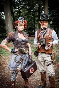 Weekly Calendar Online Steampunk Fashion Guide Castlefest Couple