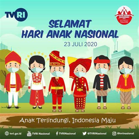 pasang poster hari anak nasional bergambar siswa sd