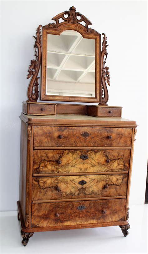 antike kommode mit spiegel bei pamono kaufen