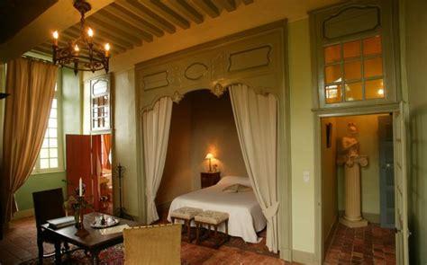 chambre dans chateau château de villiers des 16 17 et 18ème siècles doté de 2