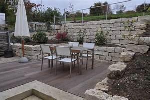 Terrasse Am Hang : mauern aus naturstein oder betonstein ~ Lizthompson.info Haus und Dekorationen