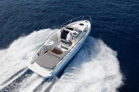 cranchi endurance   boats yachting