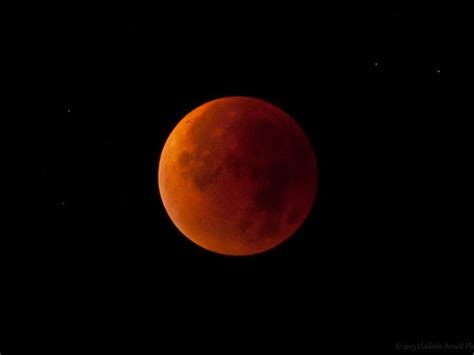 gangsters  blog lunar eclipse   blood red moon