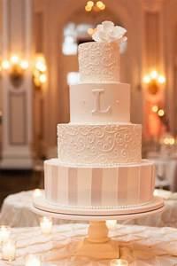 20 Elegant Vintage Buttercream Wedding Cakes