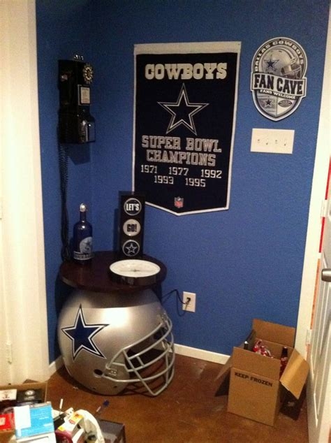 Dallas Cowboys Bedroom Decor by Dallas Cowboys Room Decor Cave Ideas