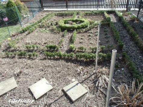 Gärten Der Hoffnung Mysteriöse Kiste by Lila Flieder Garten Rettungsversuch Buchsbaumhecke
