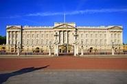 Video inside Buckingham Palace in London