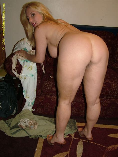 Real Hot Mature Wife In Sexy Lingerie Expos Xxx Dessert