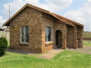 3 bedroom house 4 rent in terenure for sale in