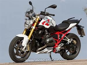 Essai Bmw R1200r 2015 : bmw r 1200 r 2015 le roadster eau ne manque pas d 39 air moto revue ~ Medecine-chirurgie-esthetiques.com Avis de Voitures