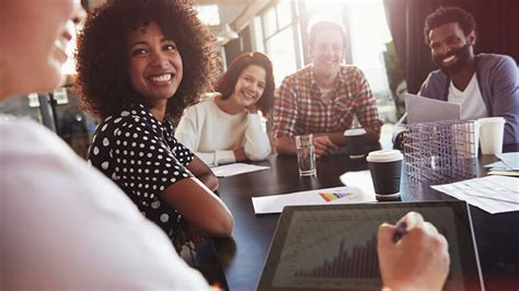 employee engagement tips   employees excited