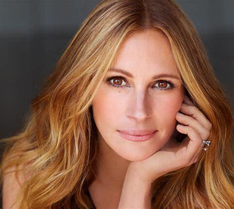 julia grace actress homecoming drama series w julia roberts gets 2