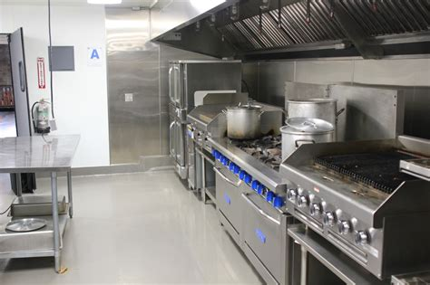 commercial kitchen  rent san diego food trucks