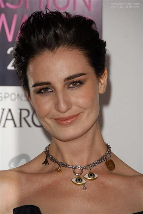 erin oconnor simple  quick short hairstyle   short nape  cut   ears