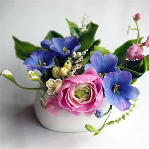 Flowers In Small Vases by Small Vase Flower Arrangement Handmade With