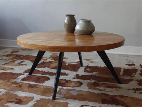 Pair of contemporary round coffeetables with aged oak top for sale, source: Modern Round Coffee Table   Coffee Table Design Ideas