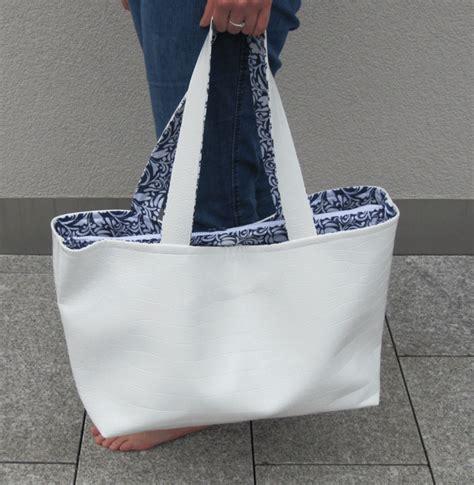 Kostenloses schnittmuster fur eine lunchbag mit. Laptoptasche Nizza | Schnittmuster zum Ausdrucken - ChezNU.TV