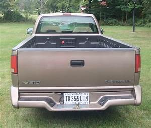 Sell Used 1996 Chevrolet S10 Pick Up Truck  V