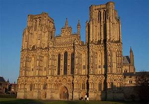 Famous Building Wells Cathedral | World Tourism Place