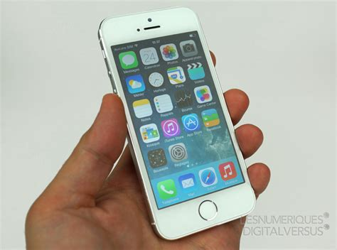 iphone 5s in hand apple iphone 5s review Iphon