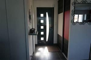 entree porte d39entree alu gris modele falco placards With porte prete a peindre