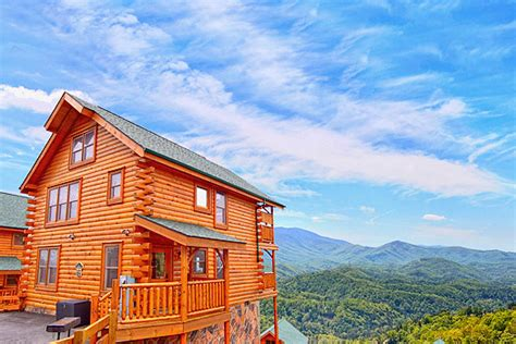 cabins of the smoky mountains gatlinburg tn sevierville tn cabins cabin rentals from 80