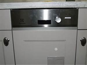 Wäschetrockner 45 Cm Breit : sp lmaschine esi4200lax geschirrsp ler 45 cm breit teilintegriert electrolux k chenger t von ~ Buech-reservation.com Haus und Dekorationen