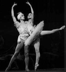 Famous Ballet Dancers - The Most Legendary Dancers