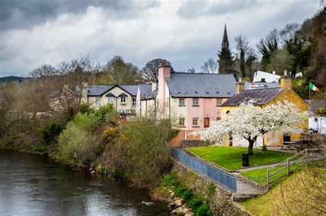 cottage irlandesi vecchio paesaggio irlandese rurale cottage fotografia