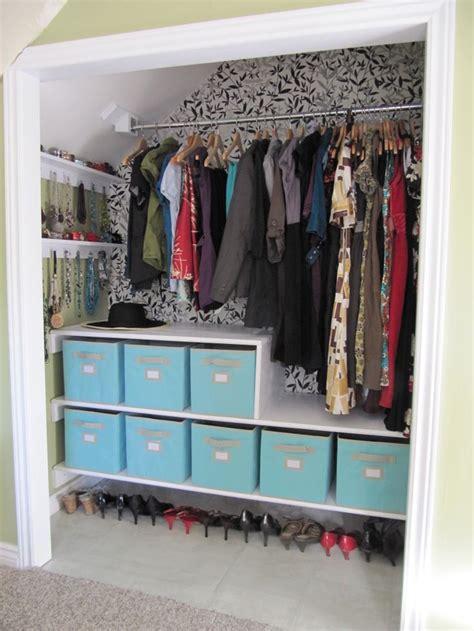 31607 dining room wainscoting ideas diverting best 25 closet wallpaper ideas on diy