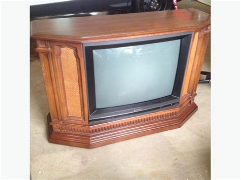 Mitsubishi Tvs For Sale by 65quot Floor Model Mitsubishi Tv For Sale In Rowlett Tx